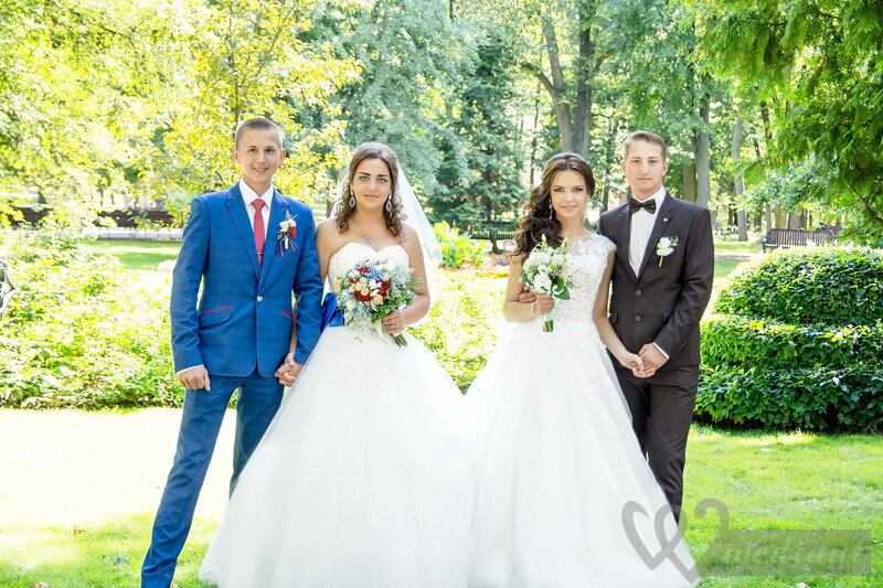 Pros and cons of a double wedding photo of doble wedding couples junglespirit Gallery