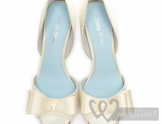 Wedding shoes of 1950s #1
