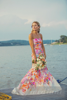 Wedding dress with stylish colorful spots