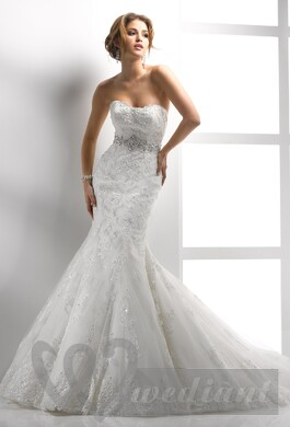 Mermaid wedding dress for the hourglass figure