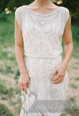 Retro wedding dress with patterns