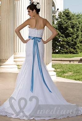 Wedding dress with blue wedding belt