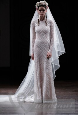 A special closed wedding dress