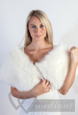 Fur accessory for a wedding dress