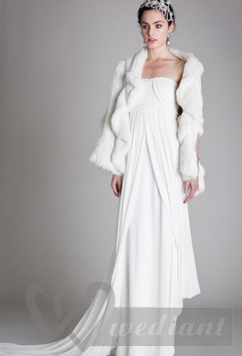 Elegant warmed bridal dress